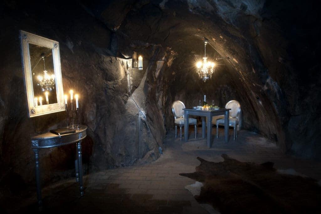 Suite à 150 mètre sous terre au fond d'une mine d'argent en Suède
