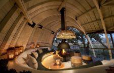 Séjour en brousse dans un ecolodge à l'architecture inspiré du Pangolin