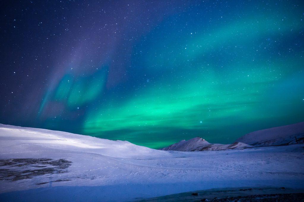 Aurore boréale dans le cercle polaire.