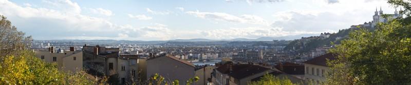 Vue panoramique sur Lyon vue du haut de la Grande-Côte - Photo Steve Collis