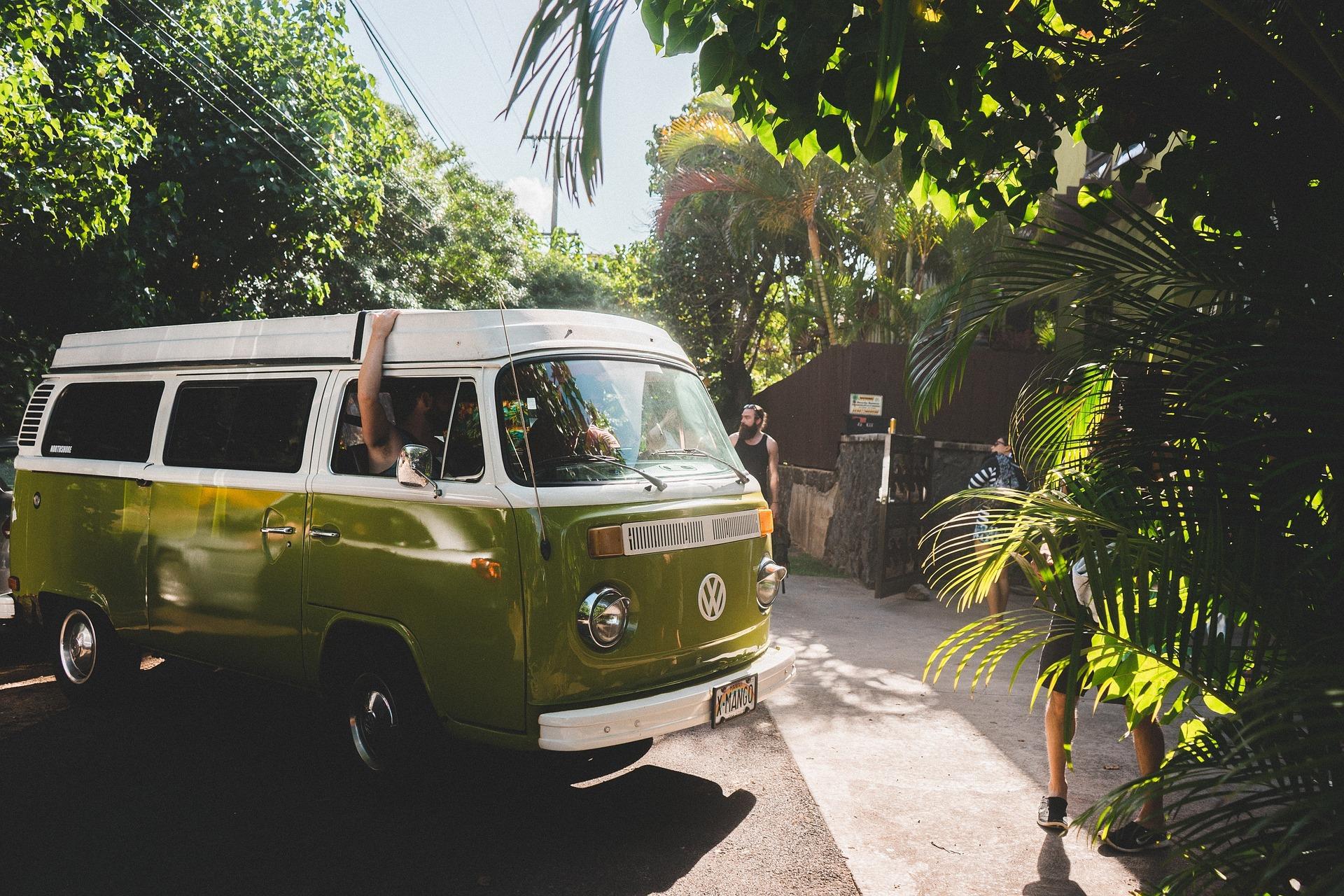 Roadtrip en van VW Combi dans le sud de l'Europe.