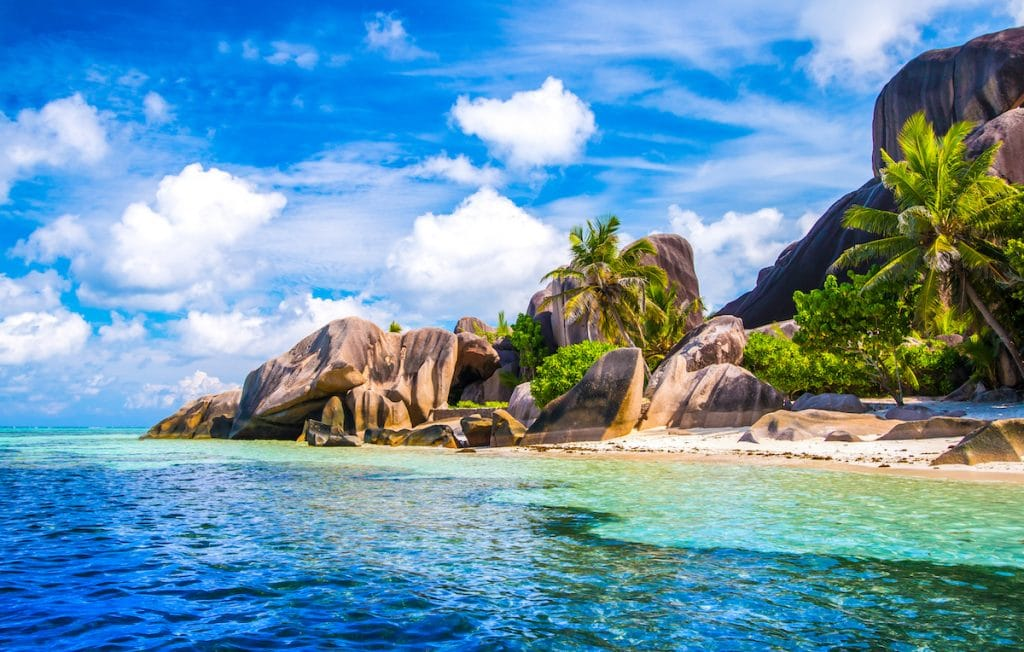 Plage de la Source d'Argent sur l'îke de la Digue aux Seychelles.