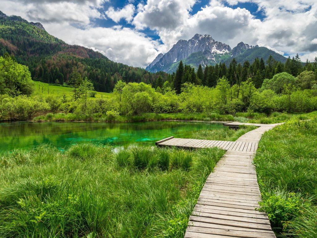 Un des lacs de la vallée alpine des 7 lacs.